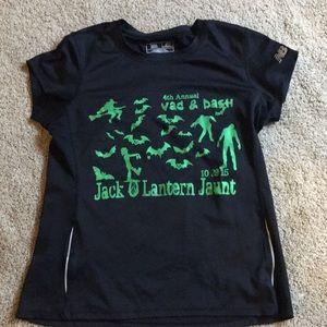 Black New Balance race tech shirt